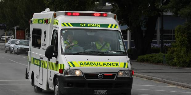 One person is in a serious condition after a car crash in Remuera. Photo / Greg Bowker