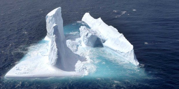 A towering 10m chimney is the dominant feature on an iceberg off the Otago Coast. Photo / Stephen Jaquiery