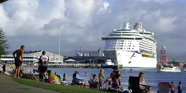 Locals gather to welcome cruise ships to Tauranga. Photo/file