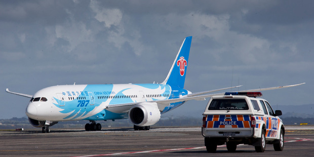 A China Southern 787 experienced engine trouble soon after taking off from Auckland International Airport this morning. Photo / File