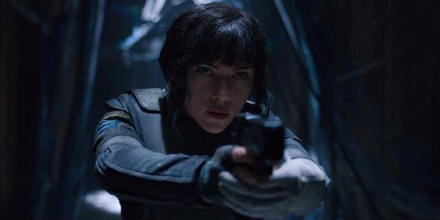 Loading Scarlett Johansson gets fierce as The Major in Ghost in the Shell.