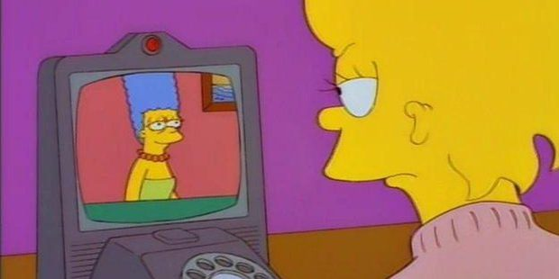 """Marge and Lisa using a """"picture phone""""."""