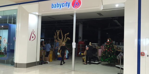 A popular Auckland shopping mall was evacuated this morning after a fire broke out at a baby shop. Photo / Doug Sherring