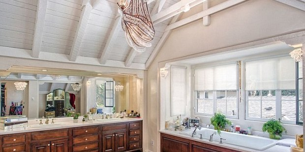 The house features a high-ceiling kitchen. Photo / Caldwell Banker