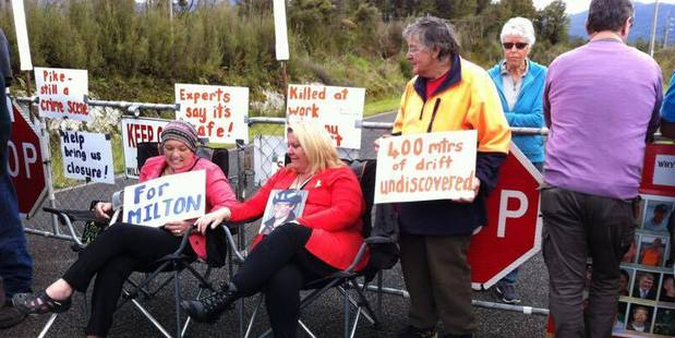 Pike River families stage protest against sealing mine. Photo / Barry Uddstrom