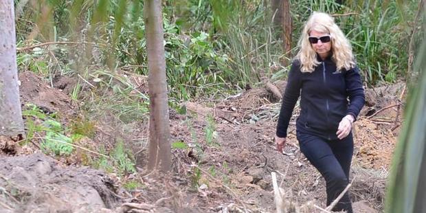 Faye Leveson at the search site. Photo / Jeremy Piper, News Corp Australia