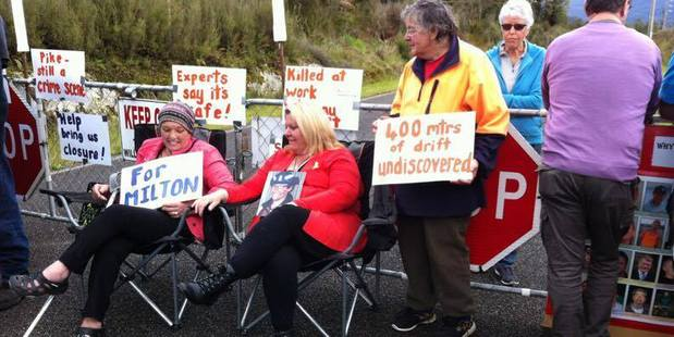 Pike River families stage protest against sealing mine on Sunday. Photo / Barry Uddstrom