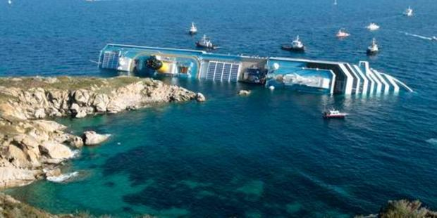 The luxury cruise ship Costa Concordia ran aground off the tiny Tuscan island of Giglio, Italy on January 13, 2012. Photo / AP