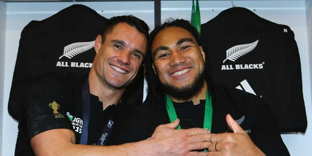 Loading Dan Carter (L) celebrates winning the rugby World Cup with Ma'a Nonu. Photo / Getty Images.