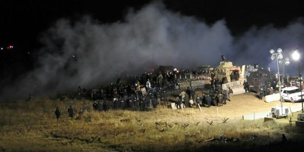 White House stays quiet after police confrontation at Standing Rock