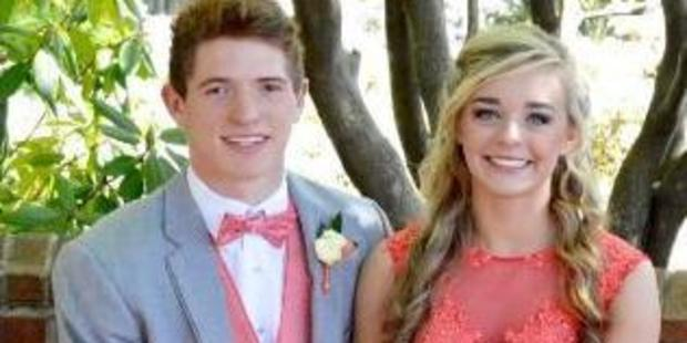 William Riley Gaul and Emma Jane Walker went to prom together. Photo / Twitter