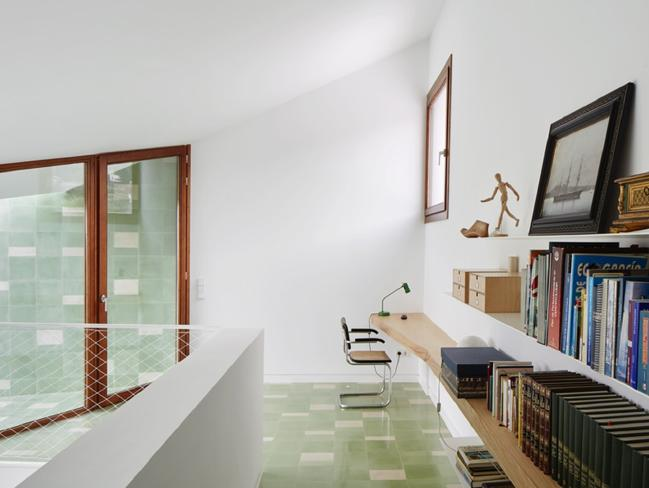 The home was designed to be energy efficient and environmentally sustainable. Picture: José Hevia/OHLAB