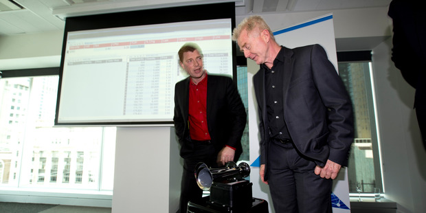 Eroad chief executive Steven Newman (L) and Peter Batcheler during the Eroad sharemarket listing event. Photo / Dean Purcell