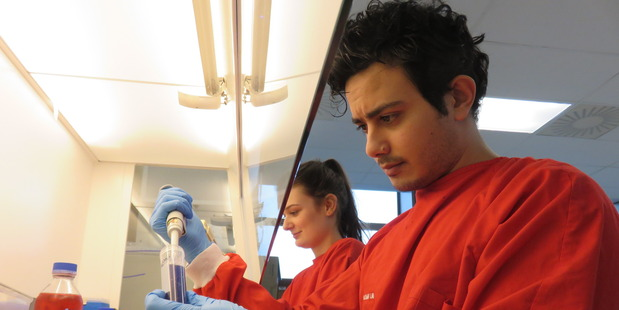 """Otago University postgraduate students Bailey Kennedy and Remy Muhsin, who contributed to new research revealing the role of clotting """"cancer bubbles"""". Photo / Amy Dunn"""