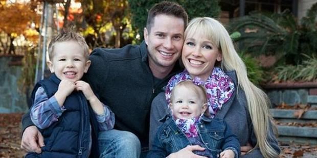 Sherri Papini with her husband Keith and their two young children. Photo / Facebook