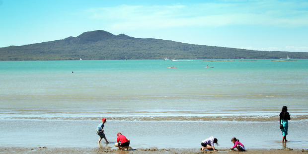 Auckland's official temperature reading could reach 30C later today. Photo / Doug Sherring