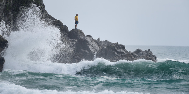 The search for the missing 17-year-old Hamish Rieger's body. Photo/George Novak