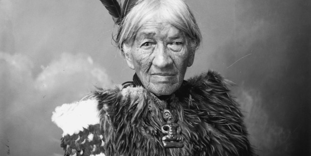 Heni Te Kiri Karamu (Heni Pore or Jane Foley), who risked her own life to give water to a gravely wounded British officer at Gate Pa.This photograph of her dates from the the 1920s or early 1930s.