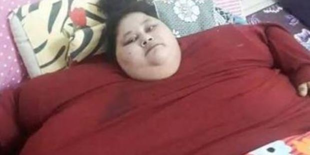 World's heaviest woman flies to India to fight for her life