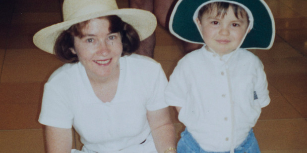 Jamie Beaton with his mother Paula in 1998. Photo / Fiona Goodall