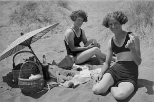 A history of Kiwi swimwear