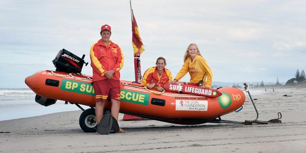 Teenage lifeguards saved life on Pukehina Beach. L-R Logan Russell, 15, Leanne Lester and Kayla Baker,15. Photo/Goerge Novak