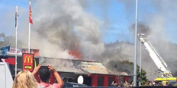 Loading Fire at the McDonald's restaurant in Silverstream near Wellington. Photo / Twitter / Nicole Lemon