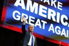 Trump, Sanders win in New Hampshire