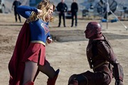 Melissa Benoist (L) stars in the TV show 'Supergirl'. Entertainment giant Time Warner is thinking of holding back episodes of this show from online streaming services. Photo / Darren Michaels/ Getty