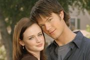 Alexis Bledel and Jared Padalecki star as on-again-off-again couple Rory and Dean in Gilmore Girls.