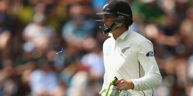 Martin Guptill showed glimpses of form, but that entertainment proved short-lived. Photo /.Getty Images
