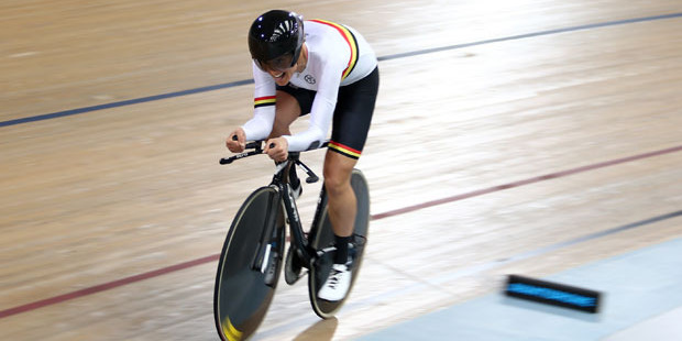 Jaime Nielsen on her way to victory in the women's individual pursuit. Photo / Dianne Manson