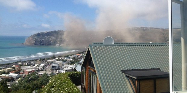 Rob Simcic caught this image of Whitewash Heads crumbling. Photo / Twitter