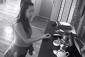 This woman was busted on camera stealing a tip jar.