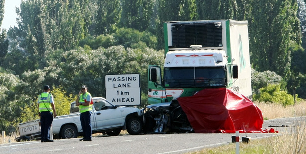 Police at the scene of a fatal motor vehicle accident on State highway 2 near Te Mahanga Road South of Hastings. Photo / Paul Taylor