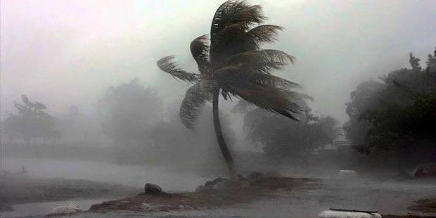 Loading Huge waves 12m high and damaging winds of up to 350 km/hr have been reported as Cyclone Winston hits Fiji. Photo / NaDraki Weather Facebook