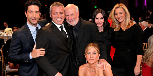 James Burrows with the cast of Friends: David Schwimmer, Matt LeBlanc, Jennifer Aniston, Courteney Cox and Lisa Kudrow. Photo/AP