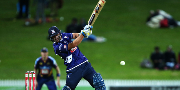 Injuries to Doug Bracewell and Scott Kuggeleijn have opened the door for Colin de Grandhomme to play for the North Island side. Photo/Getty.