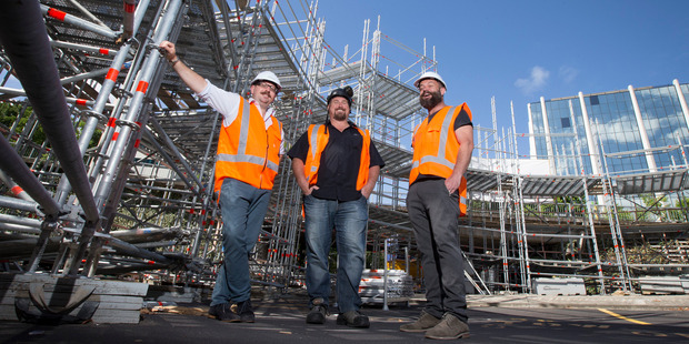 The Pop-Up Globe theatre director Miles Gregory, left, with scaffolders Mick Spratling, centre and Phil McConchie. Photo / Jason Oxenham