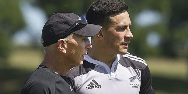 Sir Gordon Tietjens has a word with Sonny Bill Williams  during a training session. Photo / Alan Gibson