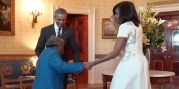 Obamas dances with 106-Year-Old