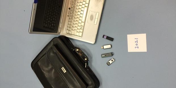 TECH TIME: A stolen laptop and flash drives.