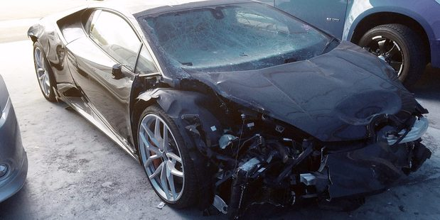 Trade Me List : Written-off Lamborghini Huracan with $1 reserve - 208,657 views. Photo / Trade Me