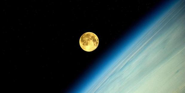 Super Moon, 10 August 2014. Photo / Supplied via Twitter / Oleg Art