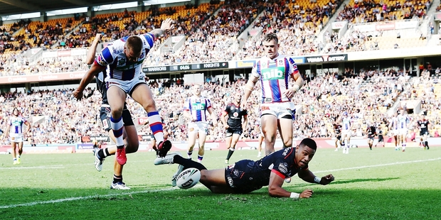 Warriors centre David Fusitu'a makes his mark against the Knights. Photo / Getty Images