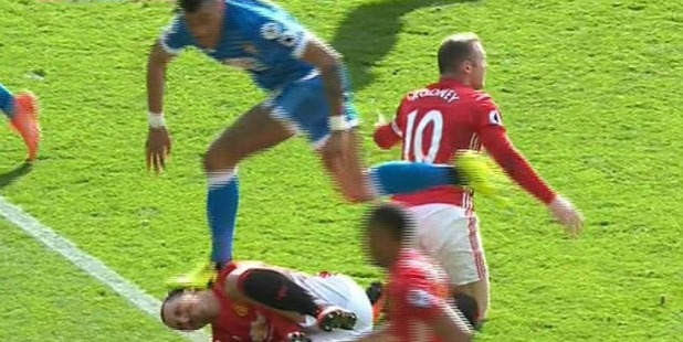 Tyrone Mings stomps Zlatan Ibrahimovic during their spiteful encounter over the weekend. Photo/Twitter