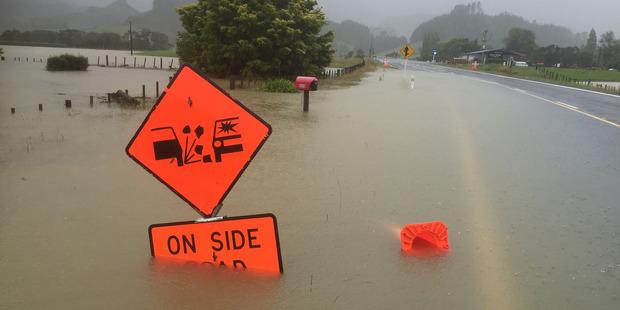 State Highway 25 ( SH25 ) road to Pauanuia and Whangamata closed. Photo / Alan Gibson