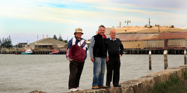Midwest Ferries trustees from left: Graham Adams, Rod Pearce and Neville Johnson.