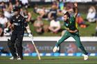Imran Tahir bowling. Photo / Andrew Cornaga - Photosport.