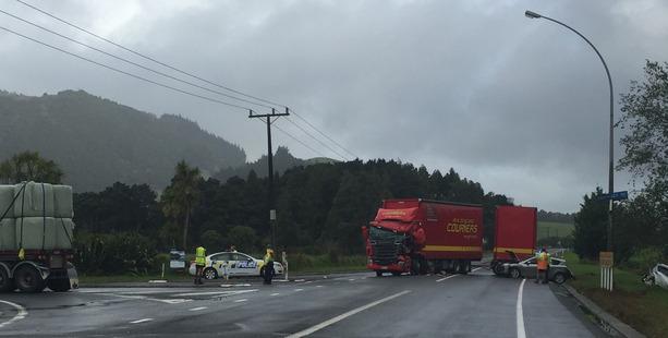 A four-vehicle crash near Hikurangi closed SH1 for three hours. Photo/ Kristin Edge